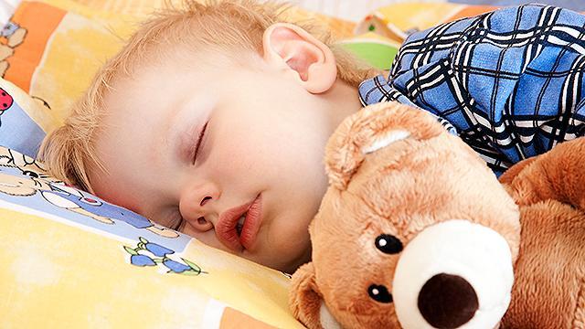 ece9fc0a Sådan får du dit barn på over 18 måneder til at sove trygt og godt ...