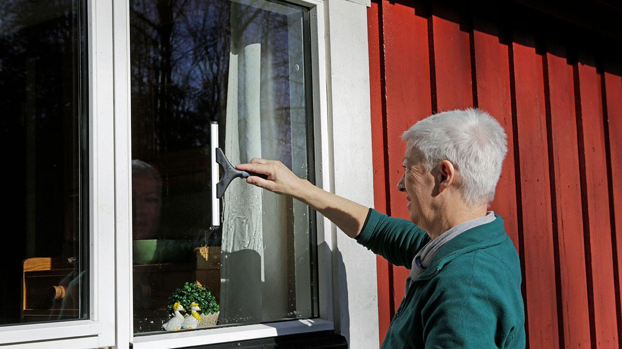 vaske vinduer uden skraber
