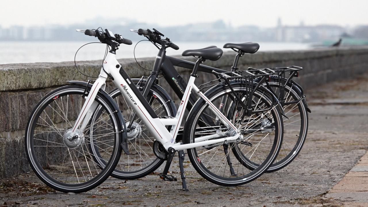 hvor hurtigt må man køre på cykel