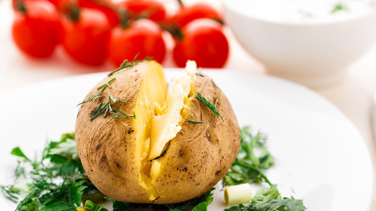Sådan Bliver Den Bagte Kartoffel Perfekt Samvirke