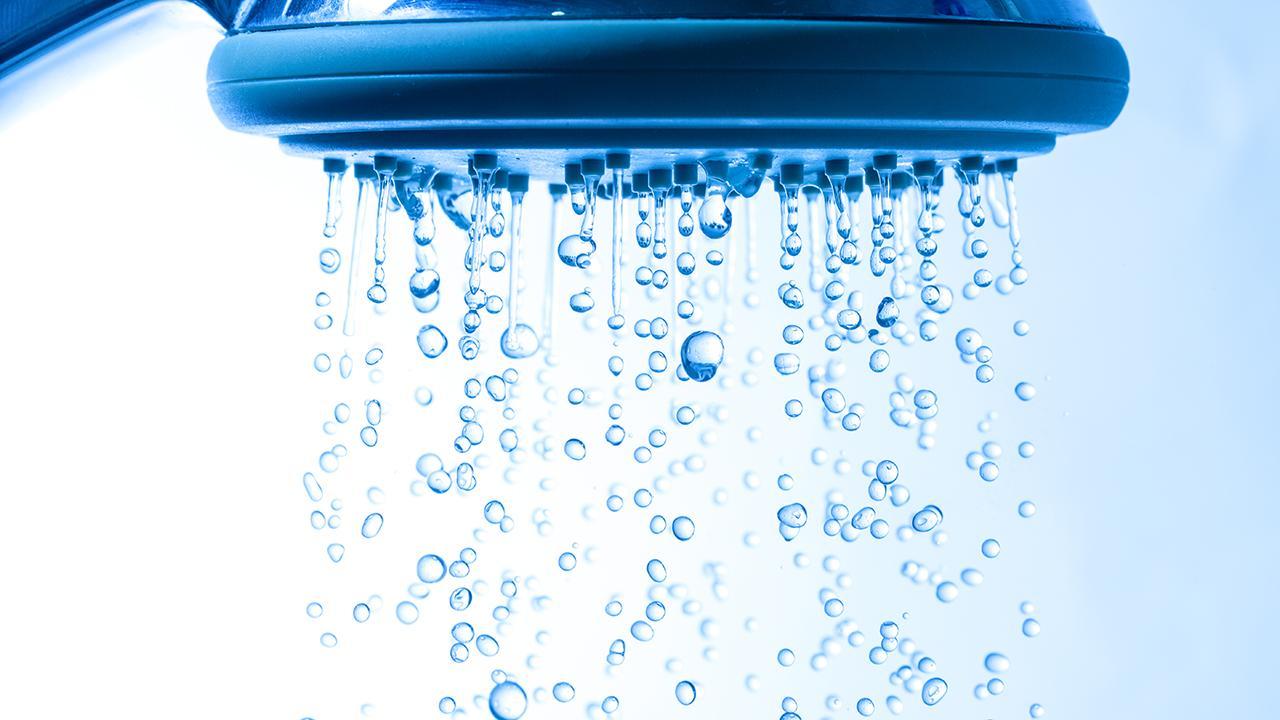 31e1f15952d 7 gode råd til at spare penge på brusebadet | Samvirke