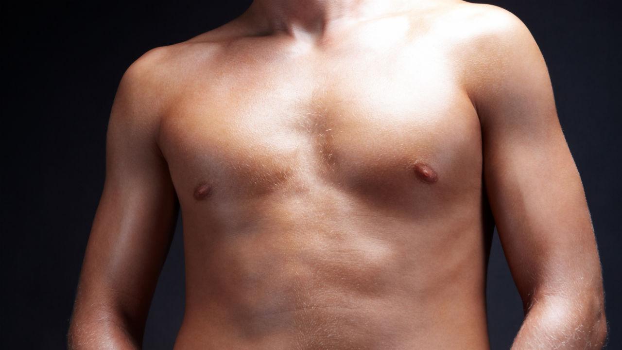 mænd og bryster