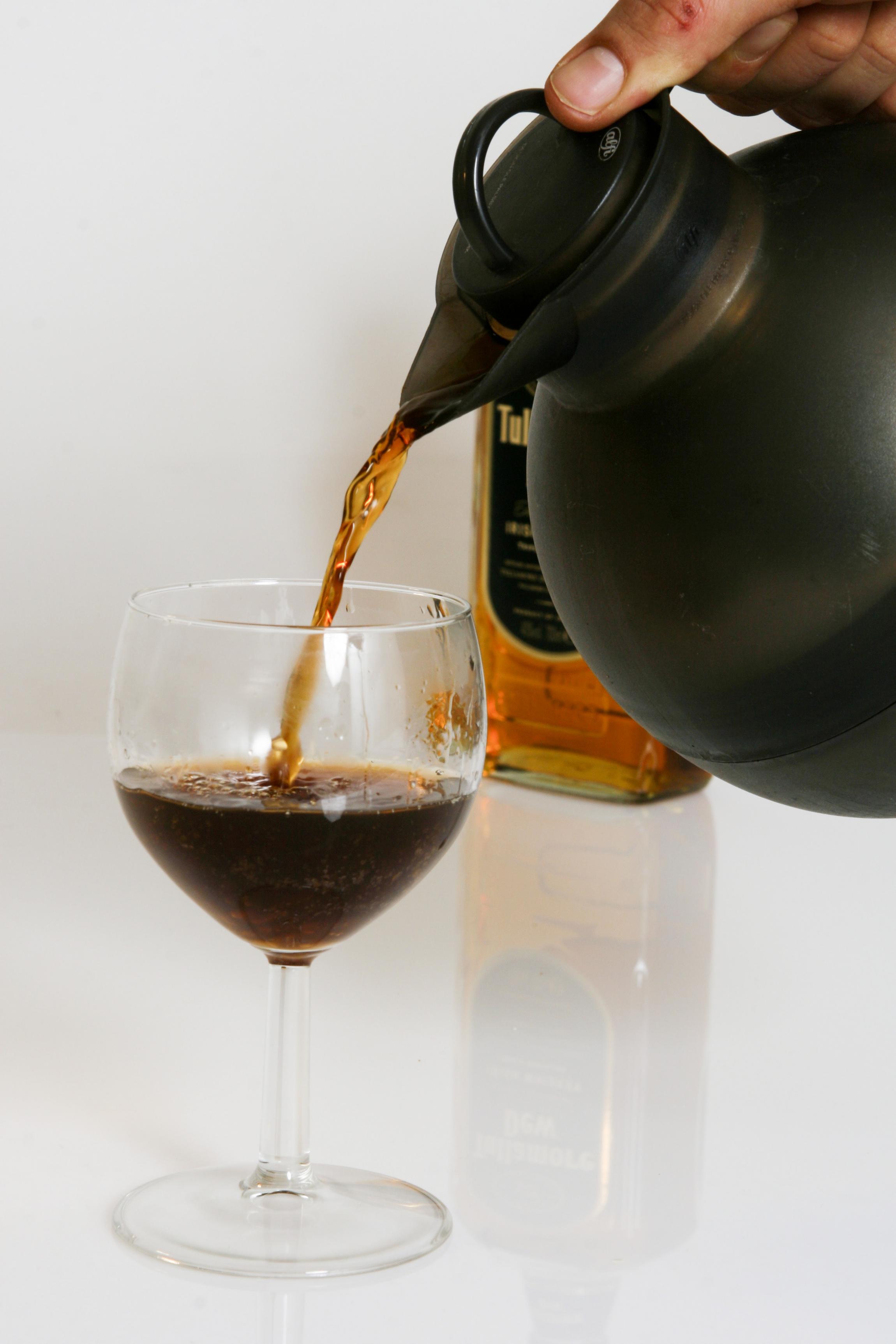 Usædvanlig Sådan laves irsk kaffe: Sugerør er en misforståelse | Samvirke MZ07