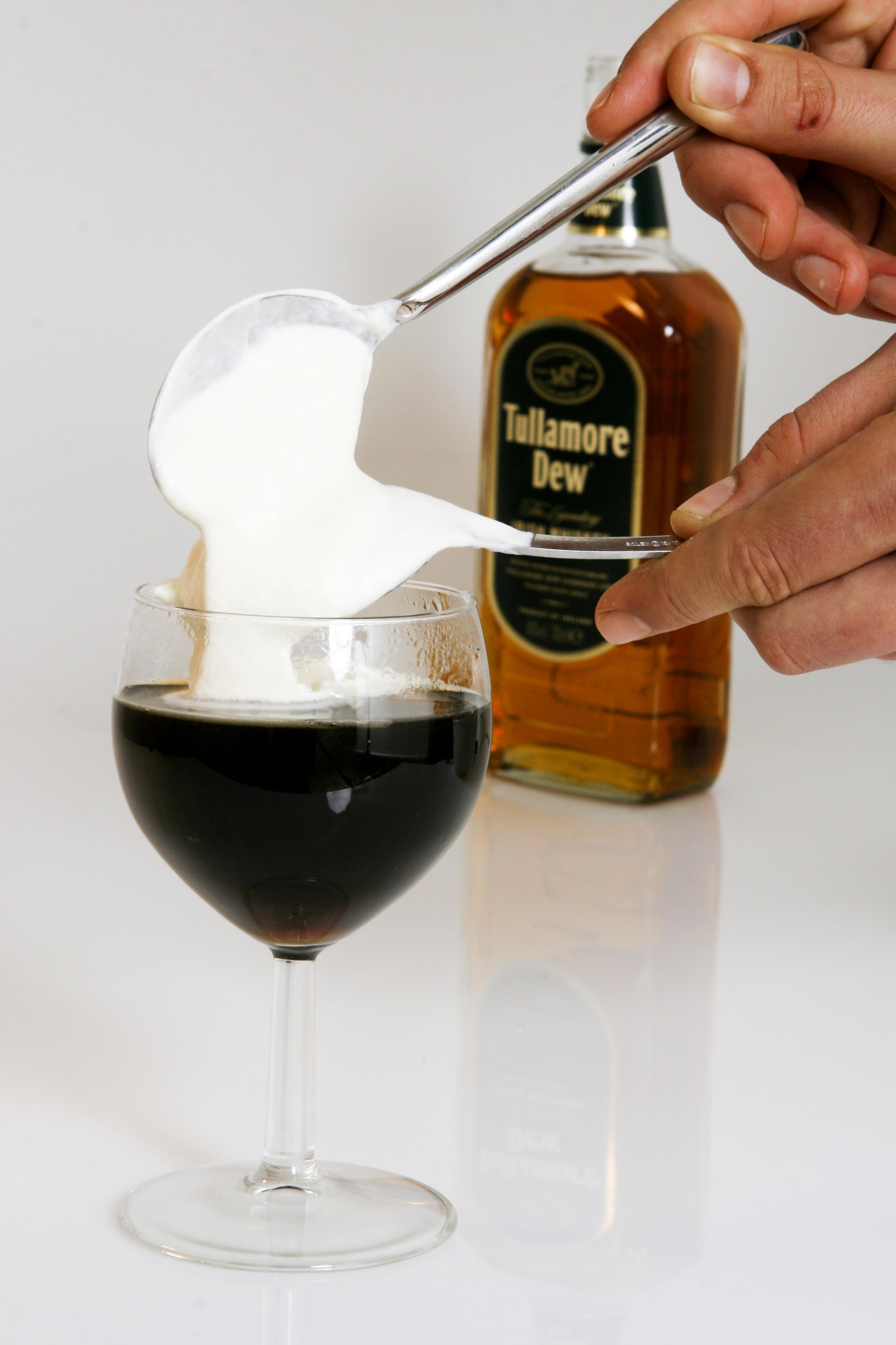 Alvorlig Sådan laves irsk kaffe: Sugerør er en misforståelse | Samvirke RG32